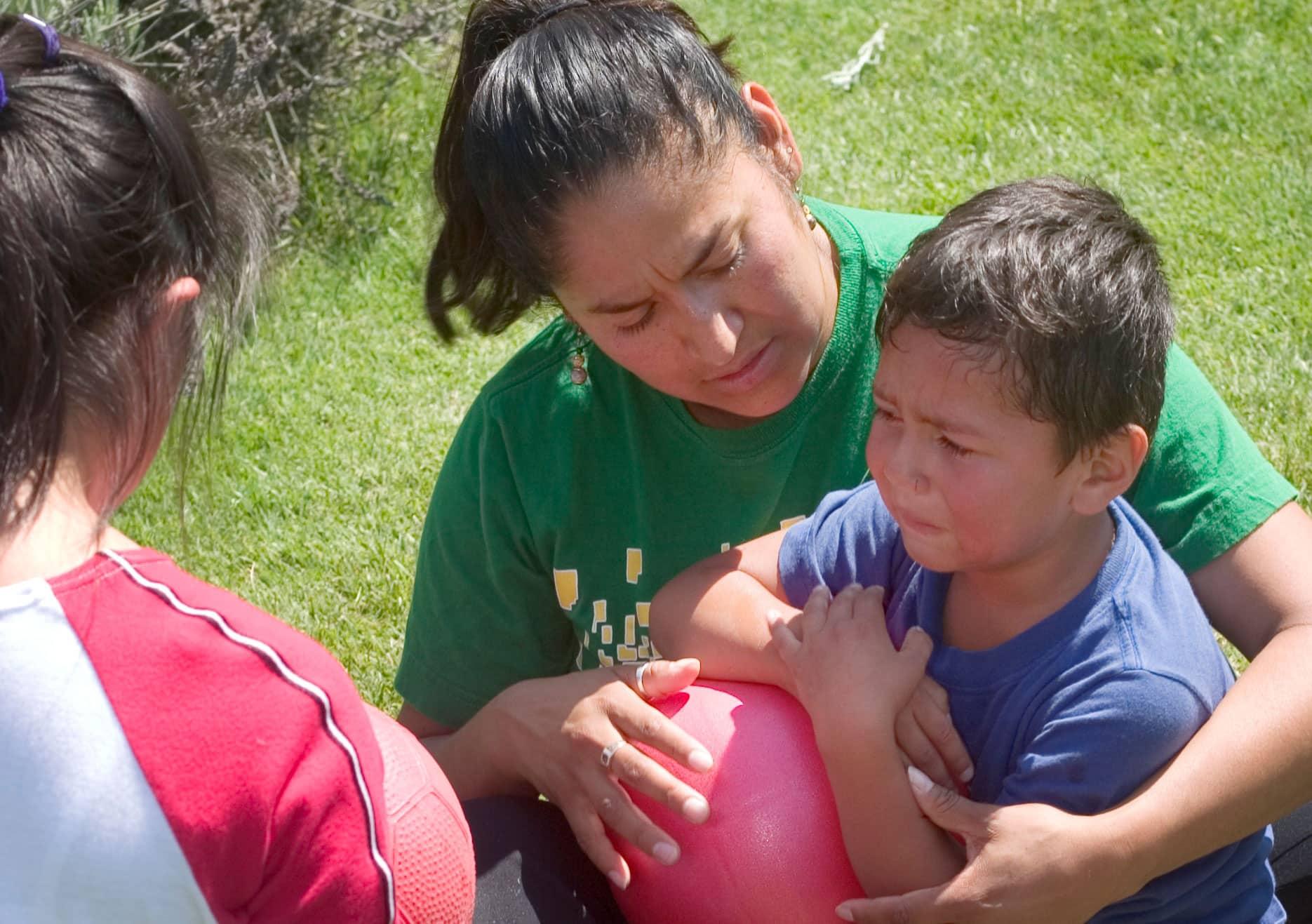 Cómo ayudarle a los niños a vencer sus temores | Hand in Hand Parenting